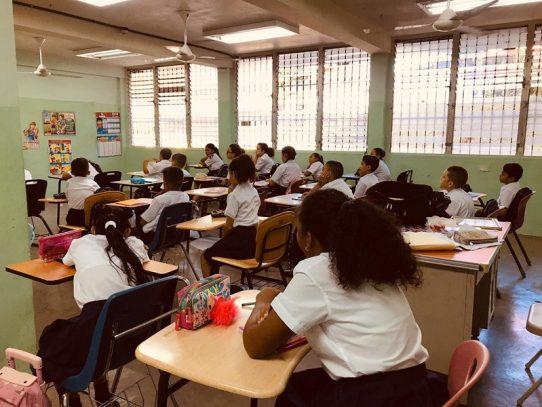 Se extiende la suspensión de clases a nivel nacional hasta el 7 de abril