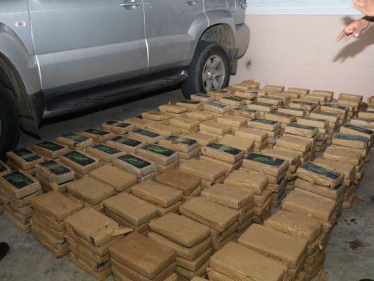 Decomisan 591 paquetes de droga en residencia de Brisas del Golf