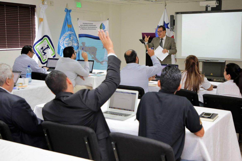 Cocatram brinda capacitación sobre derrames de hidrocarburos en el sector marítimo