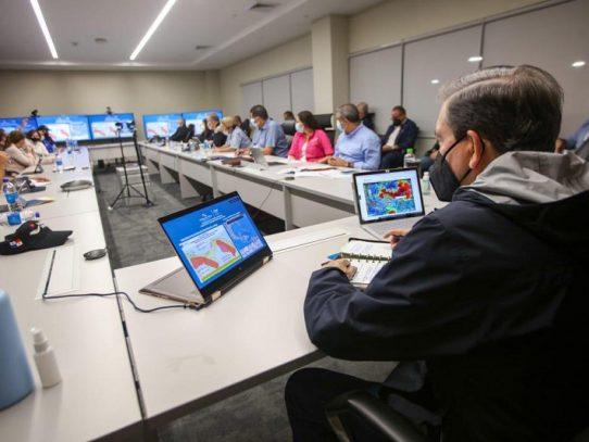 Activan centros de operación de emergencia en el país