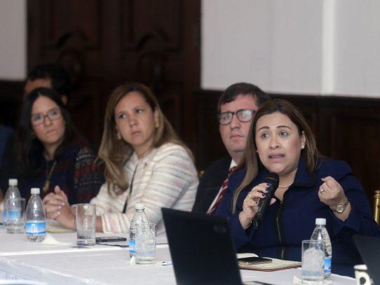 Corredores de Aduanas se suman a quejas contra navieras