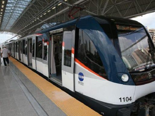 Detenida la línea 1 del Metro por fluctuación eléctrica
