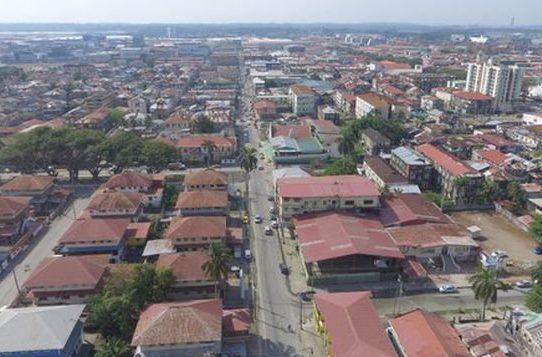 Varela entrega orden para la construcción de cuartel policial en Colón