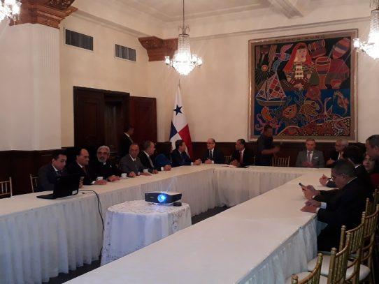 Cortizo recibe informe de entrevistas a aspirantes a magistrados