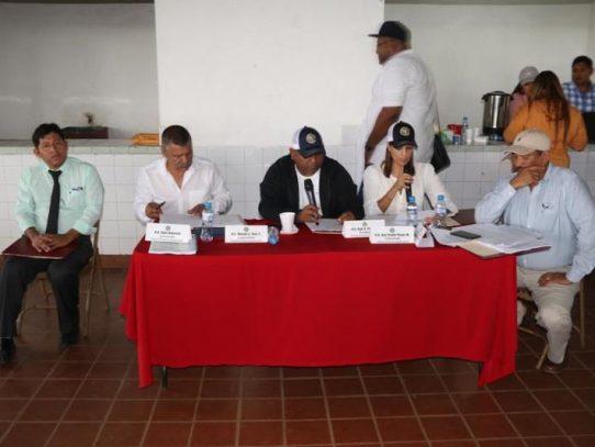 Prohíjan iniciativas sobre granos básicos y defensa de la actividad agropecuaria