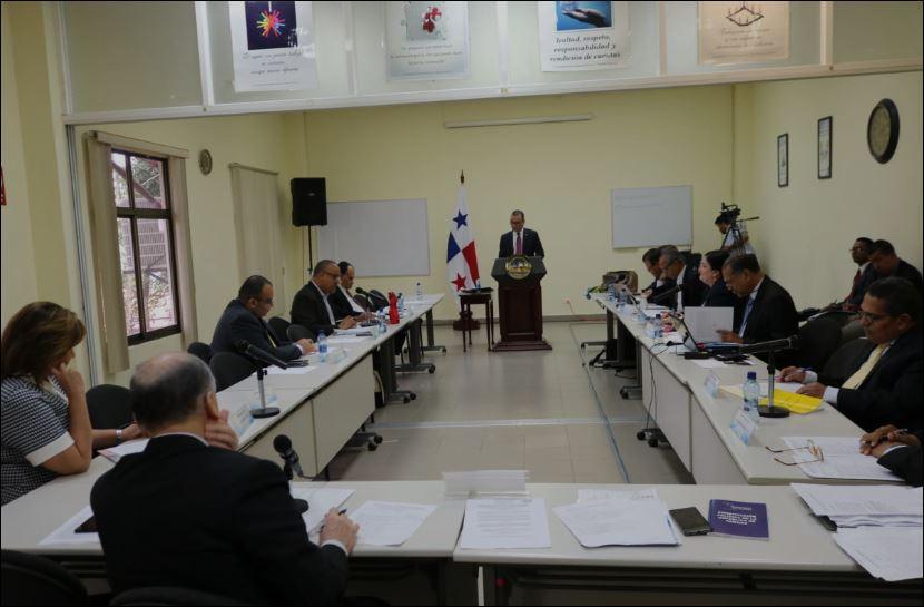 Con renuncia de Pizarro Hill, desciende a 128 lista de aspirantes a magistrados de la CSJ