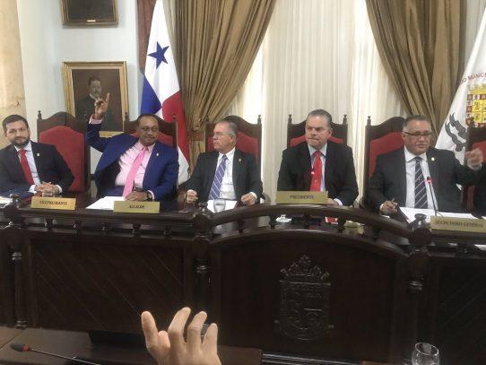 Otorgarán las Llaves de la Ciudad al expresidente Pérez Balladares