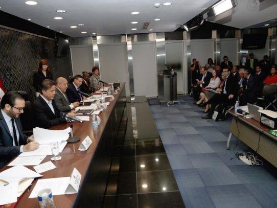 Inician discusión en primer debate del proyecto de Contrataciones Públicas