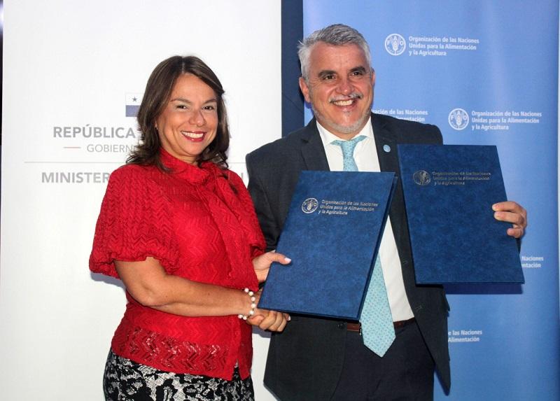 Firman convenio para garantizar agua potable en escuelas rurales e indígenas