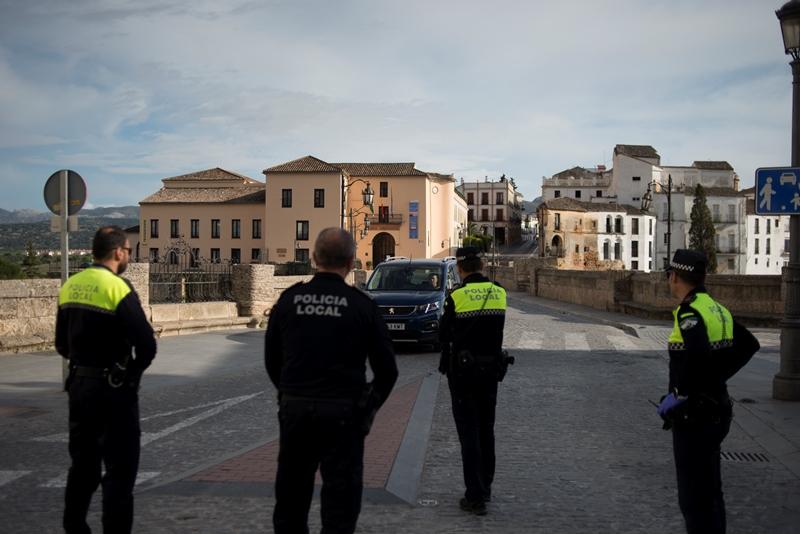 Muertes por coronavirus en España se reducen por segundo día consecutivo y se sitúan en 809
