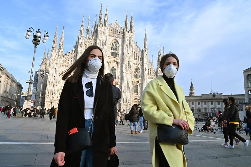 """Italia iniciará a finales de enero una """"campaña de vacunación sin precedentes"""" contra el covid-19"""
