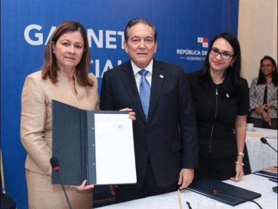 Cortizo sanciona modificación a Ley sobre dispositivos médicos