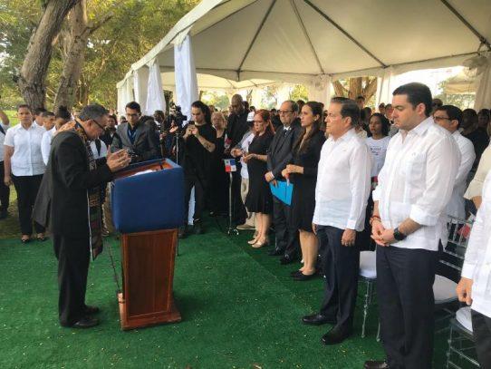 Presidente Cortizo encabeza actos del 20 de Diciembre en el Jardín de Paz