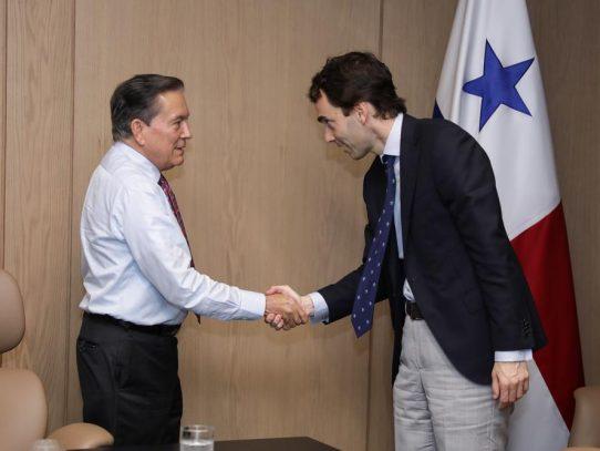 Empresa española interesada en invertir en el sector marítimo de Panamá