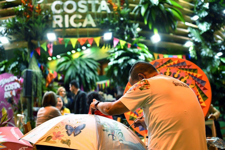 """Costa Rica quiere impedir """"selfies"""" con animales silvestres"""