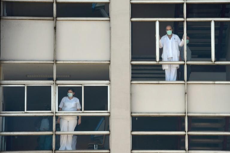 """El G20 promete hacer """"frente común"""" contra el coronavirus, que ya dejó casi 22.000 muertos"""