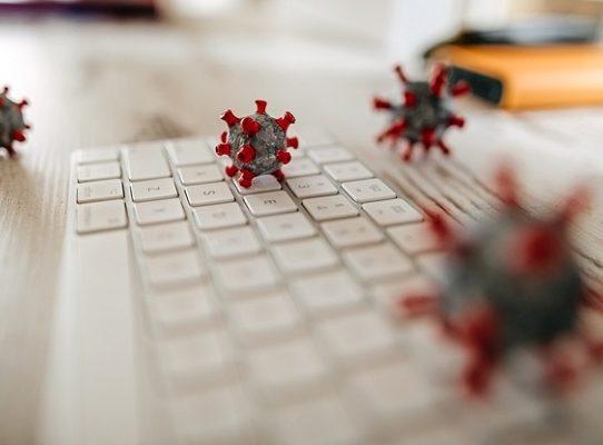 El coronavirus no se propaga con facilidad a través de las superficies, afirman los CDC
