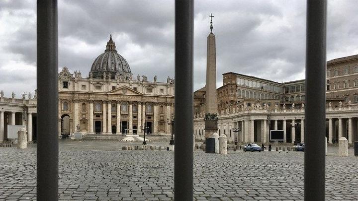 El papa pone orden en la Fábrica de San Pedro
