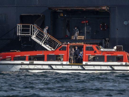 """Muertos en crucero Zaandam, """"en la conciencia"""" de quienes rechazaron atraque, dice pasajera"""