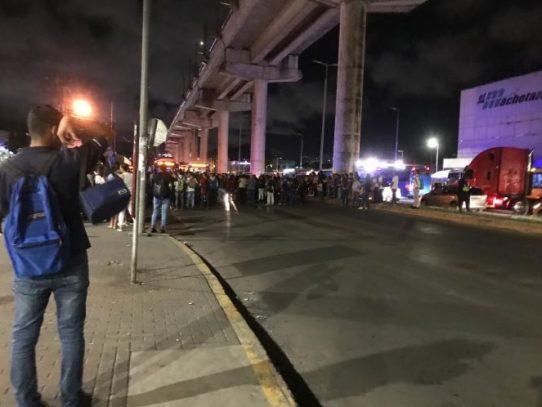 Realizan protesta nocturna para exigir nueva sede de la UP en San Miguelito