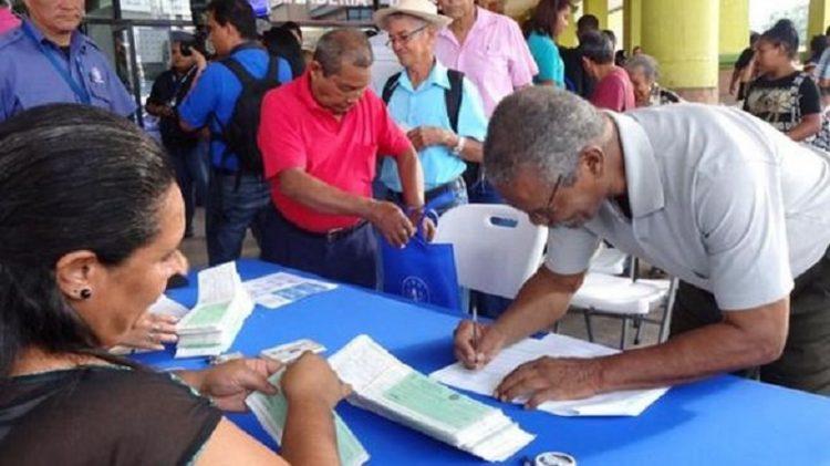 Gobierno pagará bono de $100 a jubilados y pensionados