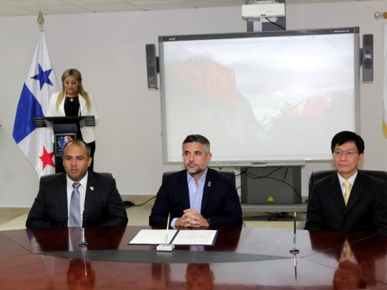 MOP y AMP firman acuerdo con Panamá Ports Company para trabajos del Cuarto Puente