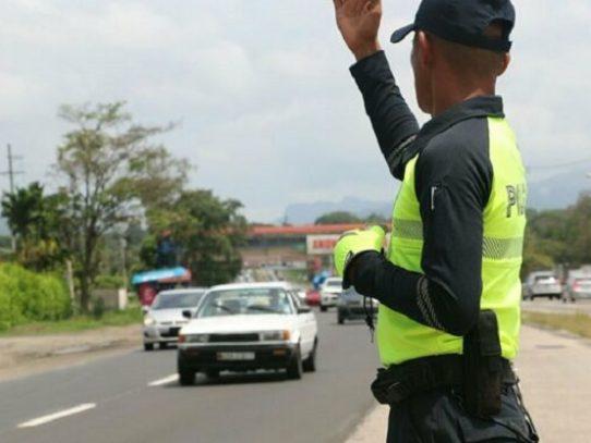 Inversión de carriles hacia el interior de la República por movilización en carnavales