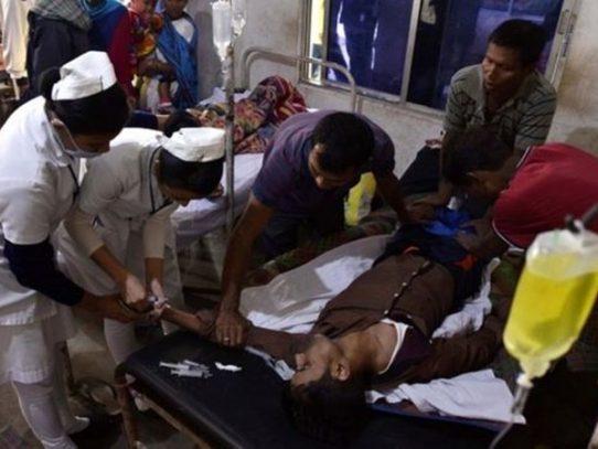 Más de 60 personas mueren intoxicadas por alcohol de contrabando en India