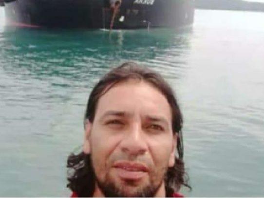 Cuerpos de rescate en busca de buzo desaparecido en el Pacífico