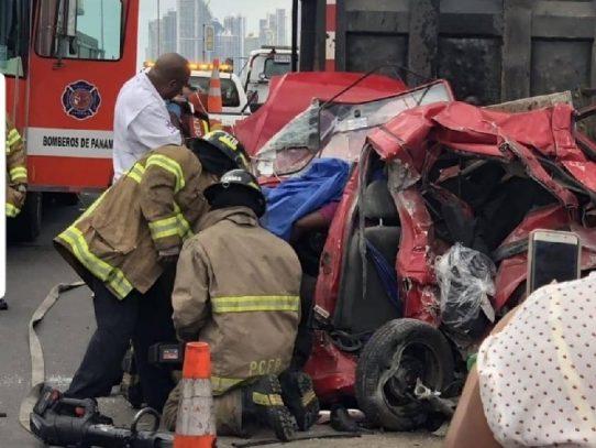Conductora que sobrevivió a accidente en el Corredor Sur celebra 50 años