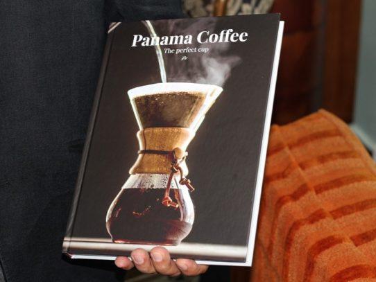 """SCAP publica el libro """"Panamá Café, la taza perfecta"""""""