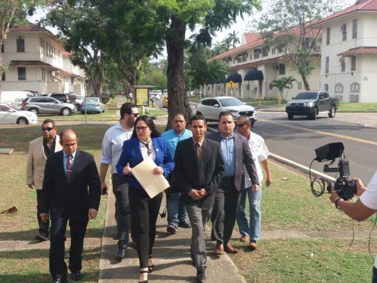 Diputada Zulay Rodríguez interpone una denuncia penal contra el contralor, Humbert