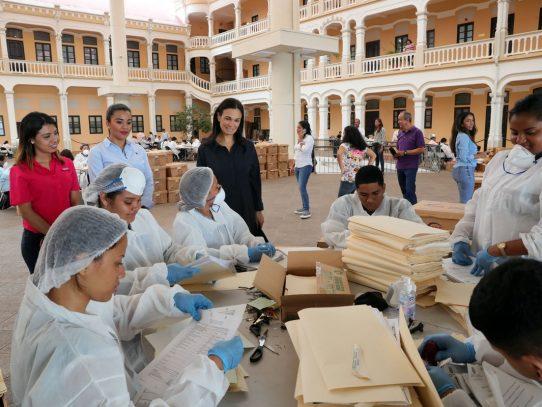 Estudiantes de la UTP  apoyan la preservación de la Biblioteca del Acervo Histórico