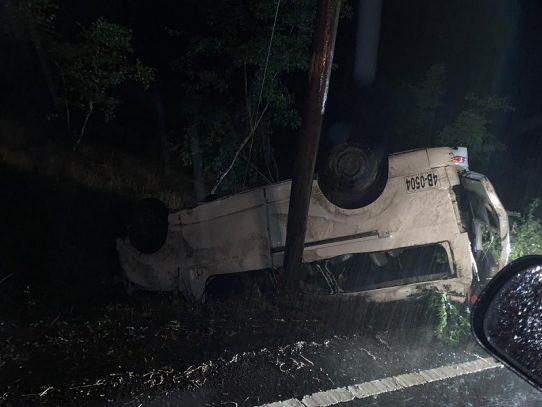 Un muerto y 11 heridos por accidente vehicular en Boquerón