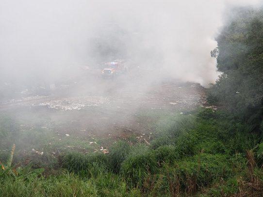 Bomberos atienden emergencia por incendio en Pedregal