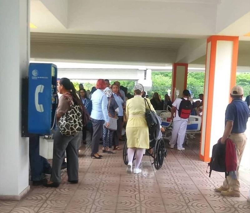 Hospital San Miguel Arcángel es evacuado por posible fuga de gas