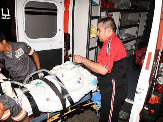 Karina, sobreviviente de explosión en Costa Mare, fue trasladada a EE. UU.