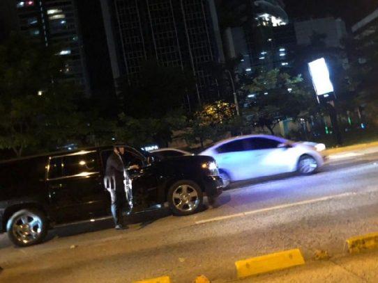 Presidente Varela ofrece ayuda a un motorizado herido