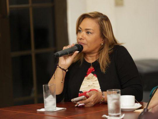 """""""MINSA y Meduca evalúan un retorno seguro a clases"""", afirmó ministra consejera"""