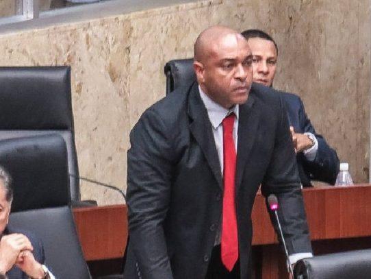 """Diputado Jairo """"Bolota""""Salazar es el abanderado el 4 de noviembre en Colón"""