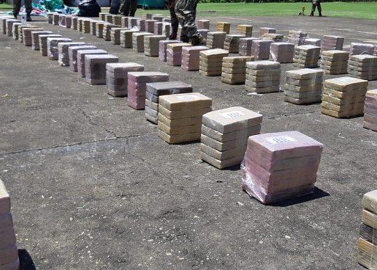 Decomisan  1,125 paquetes de sustancia ilícita en embarcación en Costa del Este