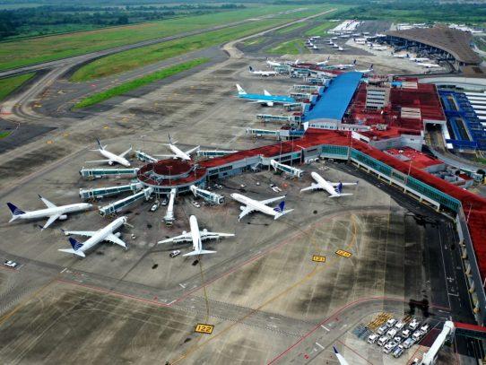 Las aerolíneas se tambalean privadas de los viajes de negocios