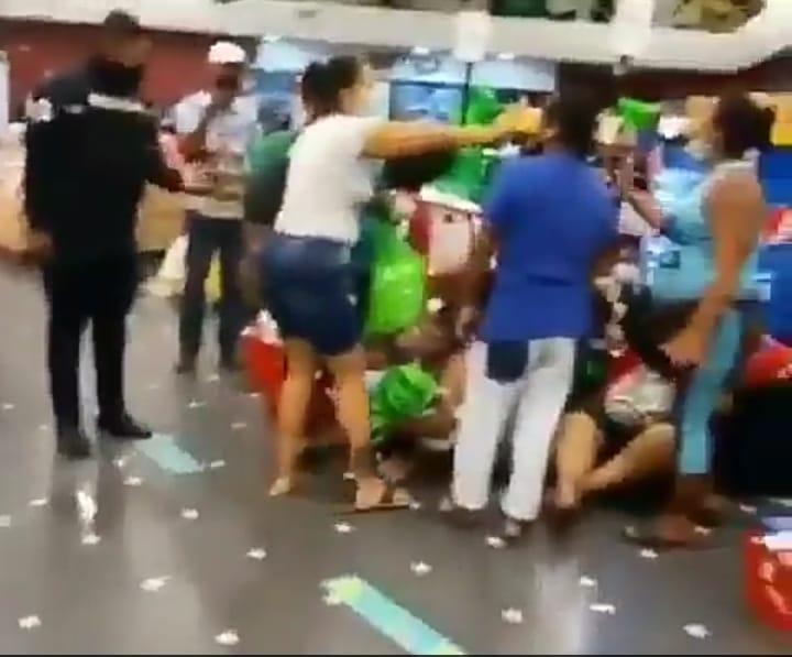Hombre intentó asesinar a otro dentro de un supermercado en Colón