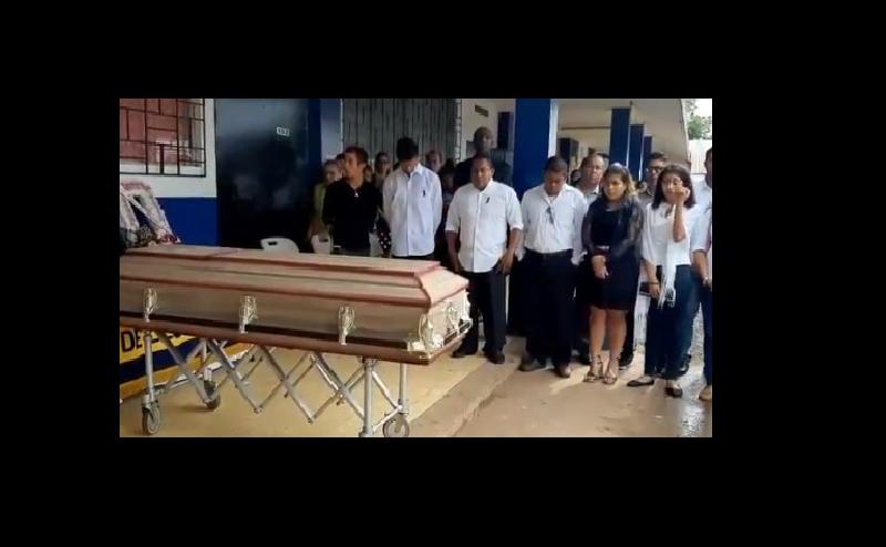 Dan último adiós a joven estudiante asesinada en Arraiján