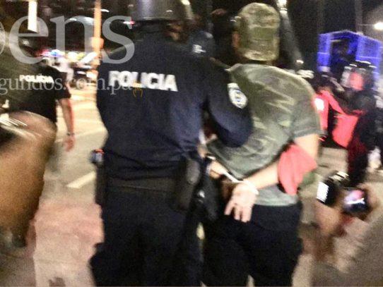 """Gobierno asegura que hay 46 detenidos por """"protesta violenta""""; activistas registran un centenar"""