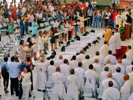 Ulloa ordenó a 15 nuevos diáconos permanentes en la Iglesia Católica panameña
