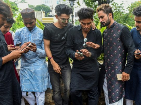 Ganar dinero y hacerse famoso con TikTok, el nuevo fenómeno adolescente