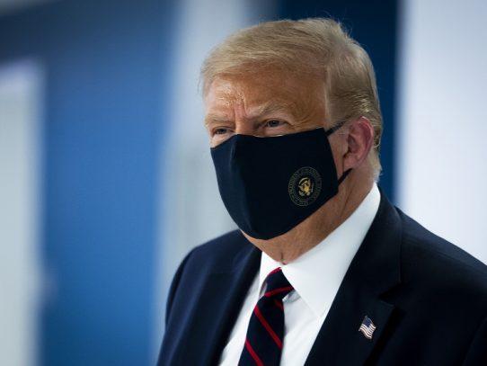 """Trump dice que """"probablemente no"""" participará en conferencia de Putin sobre Irán"""