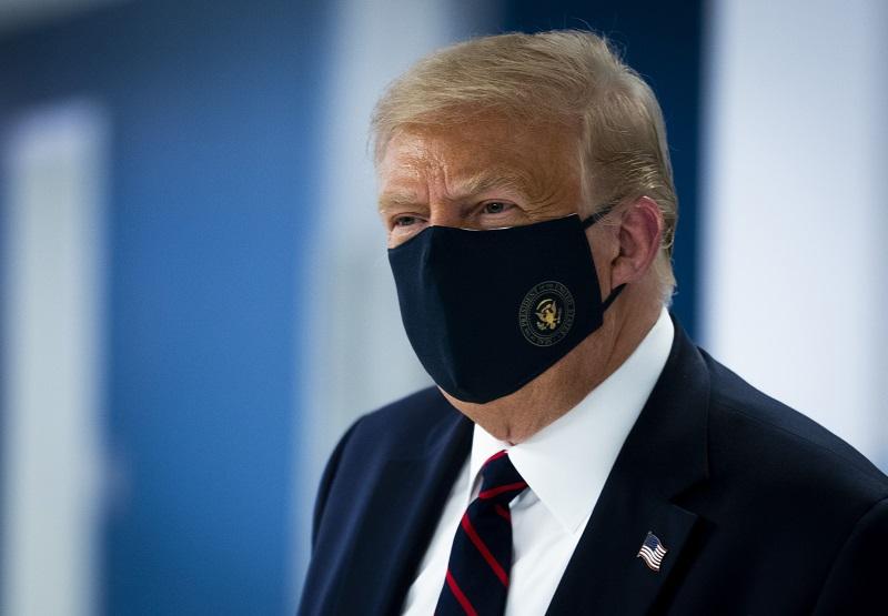 Acusan formalmente a mujer canadiense por envío de carta envenenada a Trump
