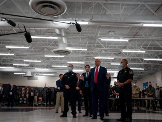 Más que nunca, Trump se presenta como el defensor de la población blanca de Estados Unidos